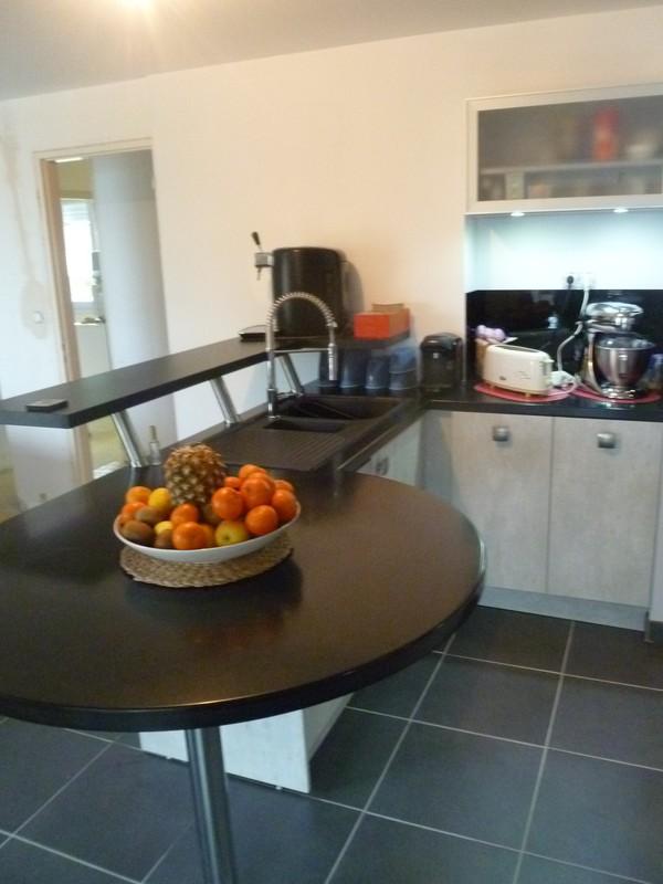 cuisine effet b ton plan corian cuisine carrelage silmat. Black Bedroom Furniture Sets. Home Design Ideas
